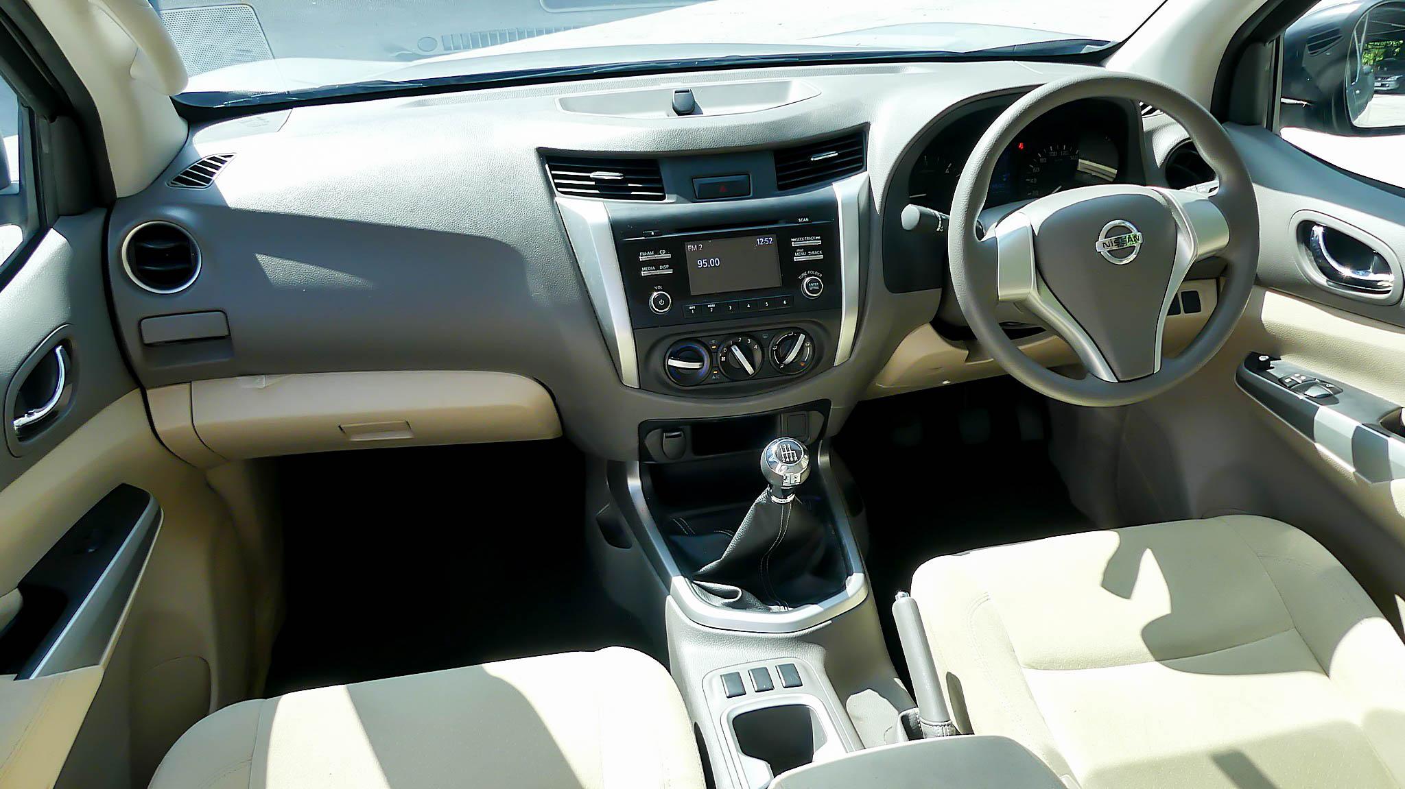 Nissan Navara NP300 2.5 E / MT ปี 2019