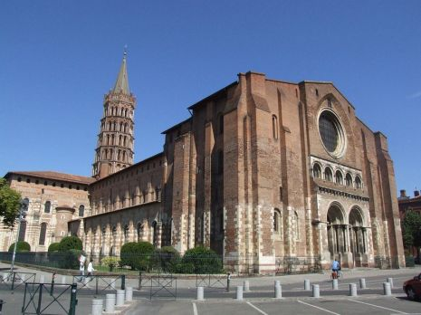 Basilica Saint-Sernin de Tououse (francia) espacio procesional siglo (XI-XII)