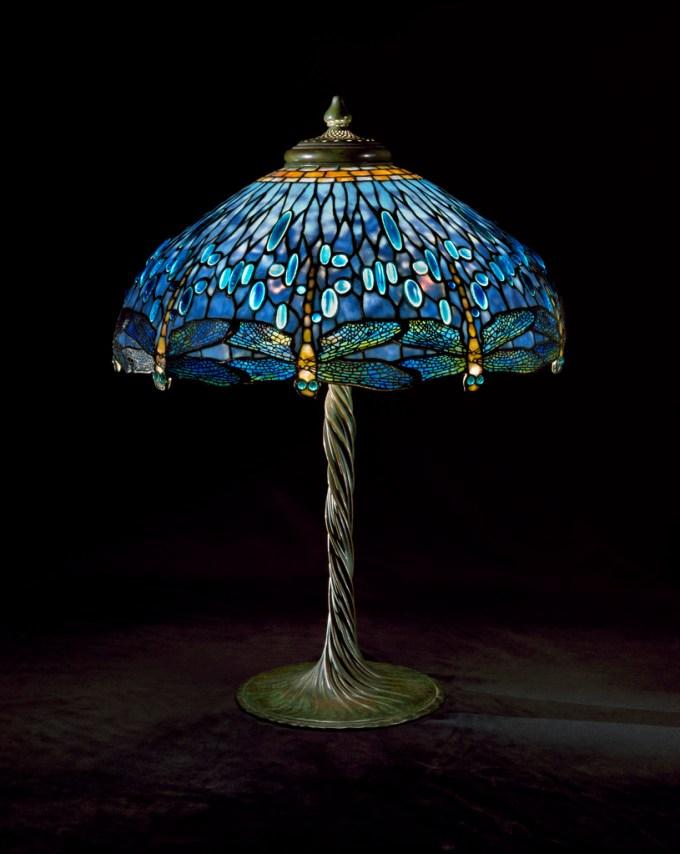 """Louis Comfot Tiffany, Lámpara de mesa,""""libelula"""", estudios Tiffany, vidrio con plomo, 1905-1910"""