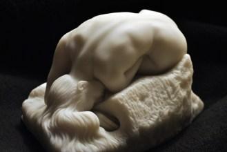 """Augusto Rodin, La """"Danaide"""", escultura, (1885)."""