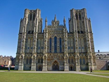 Catedral de Wells, ubicada en el centro de la ciudad, sede de obispados de Bath y wells, contrucción entre (1175-1490)