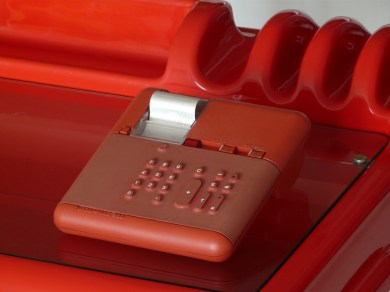 "Mario Bellini, calculadora ""Red underwood"" 280, 1973, para olivetti."