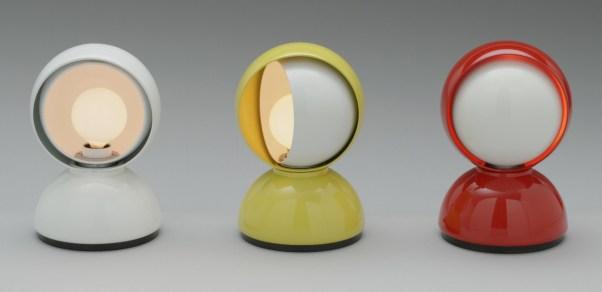 """Vico Magistretti, Lámpara de mesa """"Eclisse"""", 1966, manufacturado en italia por Artemide."""