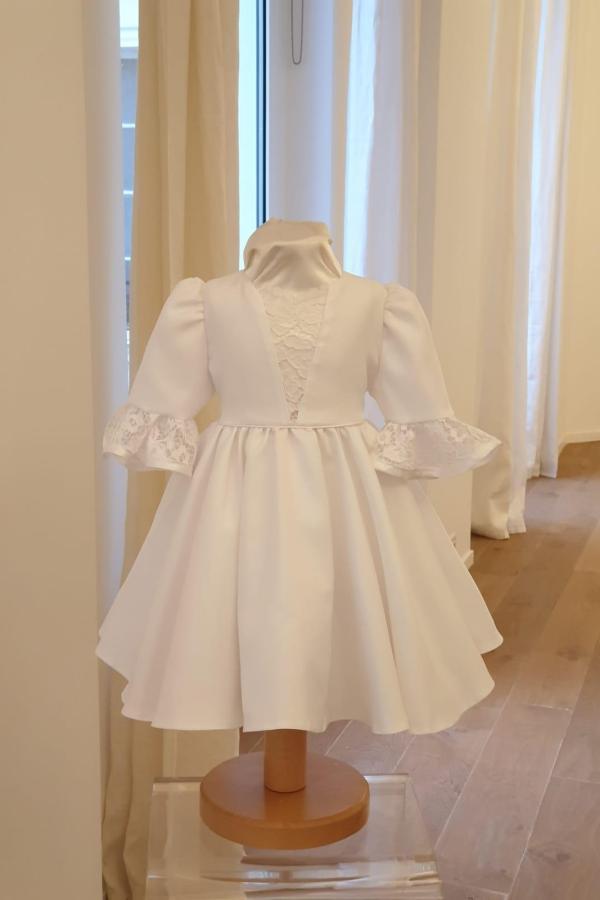 Robe Versailles dentelle blanche 110 euro