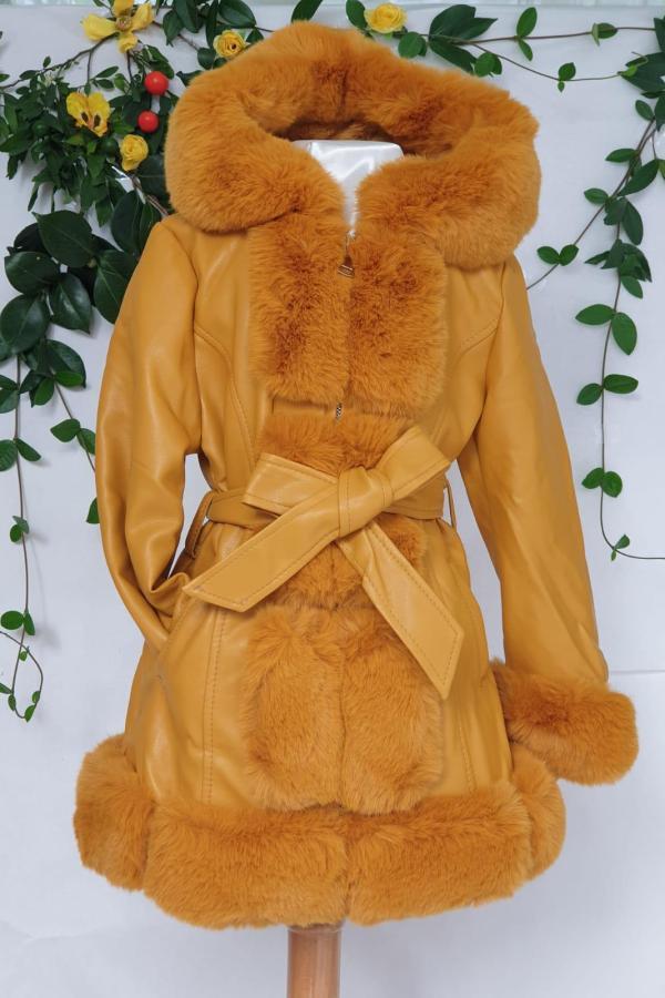 Fille manteau fourrure jaune 49 euros du 4 ans au 10 ans