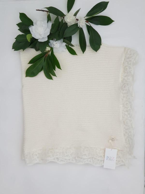Châle Paz dentelle blanc cassé 129 euros châle blanc cassé 60% laine 40 % coton dentelle tout autour