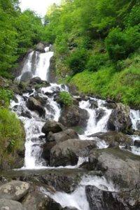 Водопад молочный Абхазия фото