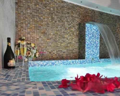 Сауна, хамам, бассейн в Гранд Отеле Гагра
