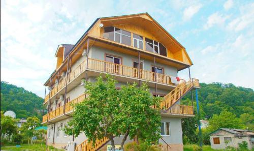 Гостевой дом Золотая Рыбка Пицунда поселок Лдзаа.