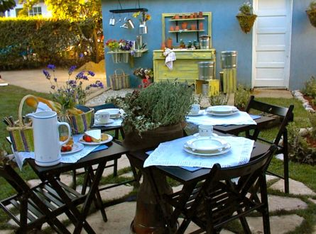 Outdoor Dining Using Portable TV Trays by Shirley Bovshow for an HGTV makeover show