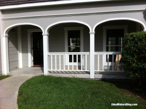 Home-and-Family-Show-Front-Yard-Before-Makeover-EdenmakersBlog