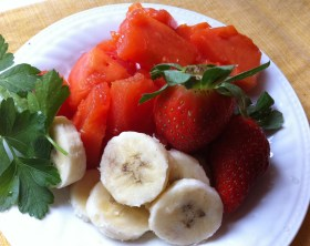 papaya banana and strawberries