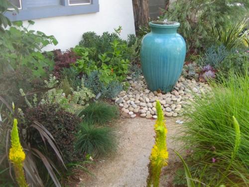 blue-fountain