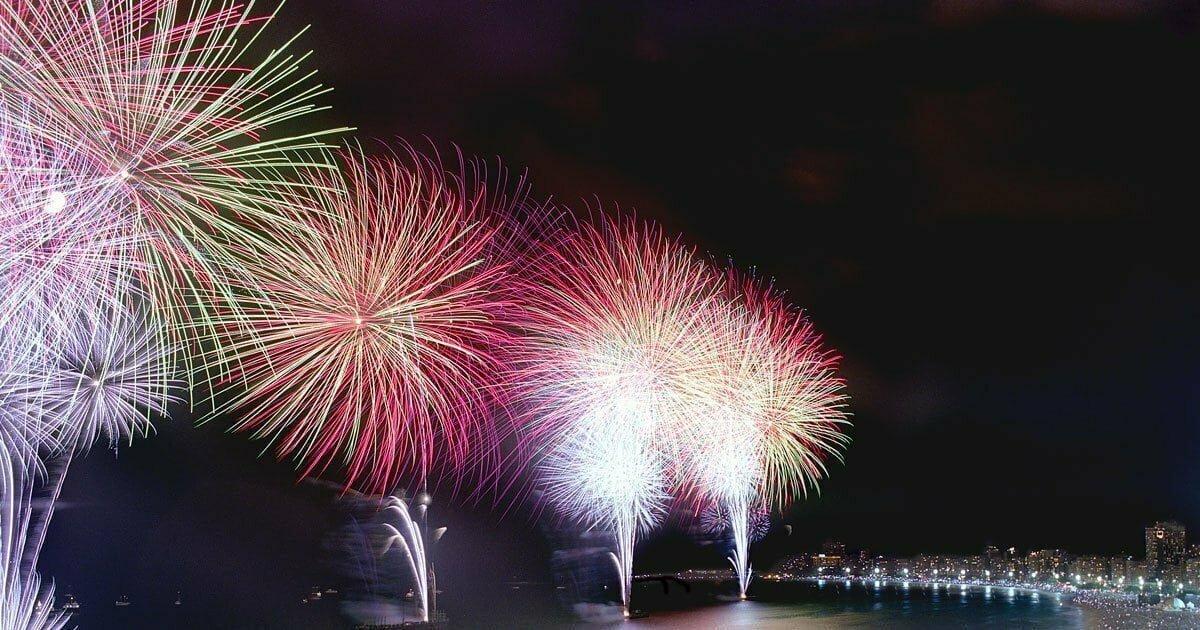 Rio de Janeiro, New year's firework in Copacabana Beach, 2004