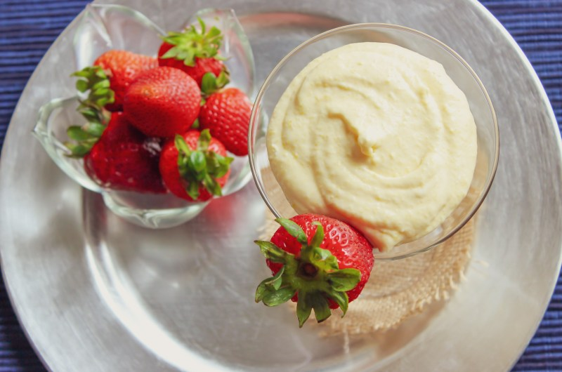 Mango Mousse with Strawberries