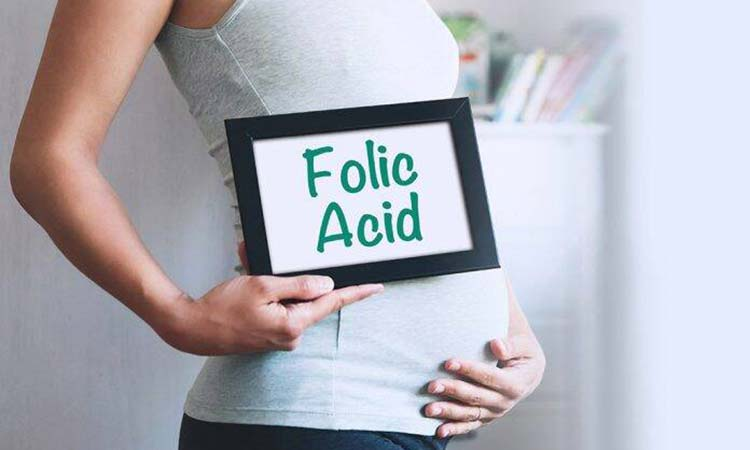 Folic acid use before and during pregnancy