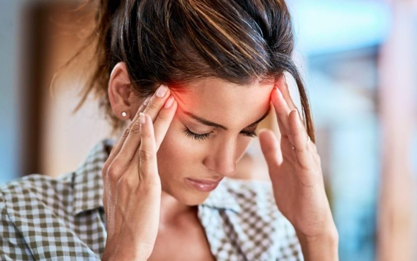 Pain at the temples due to arteritis temporalis