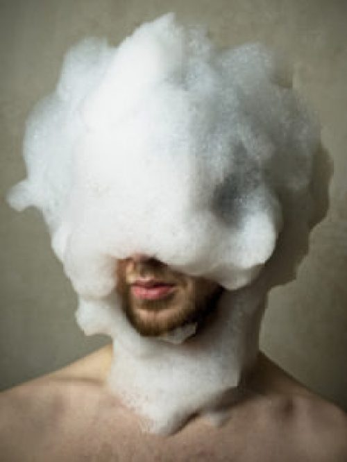 faire un shampoing pour prendre soin de sa barbe