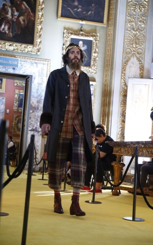 stylé comme une star : À qui ressemblez-vous ? Jared leto chanteur style punk mode fashion tendance looké hippie