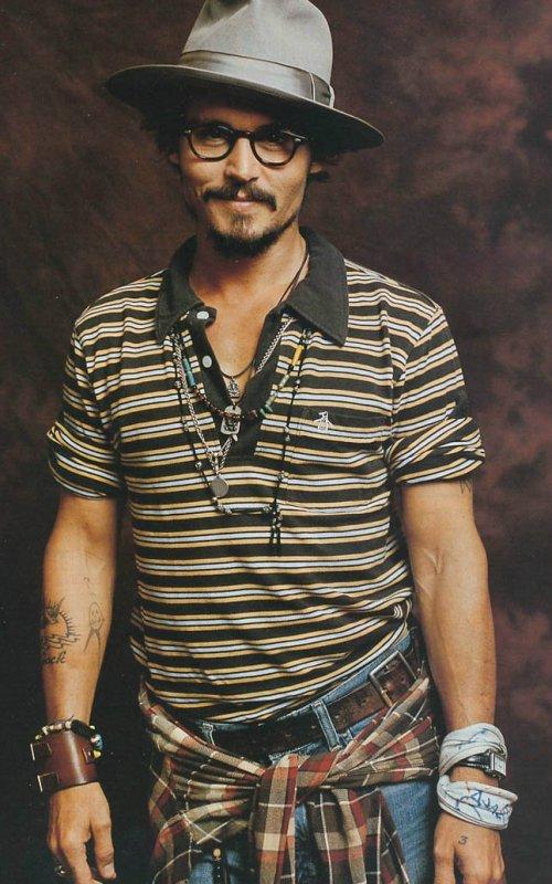 Stylé comme une star : À qui ressemblez-vous ? Johnny Depp artiste comédien acteur homme tendance style stylé look boho hippie