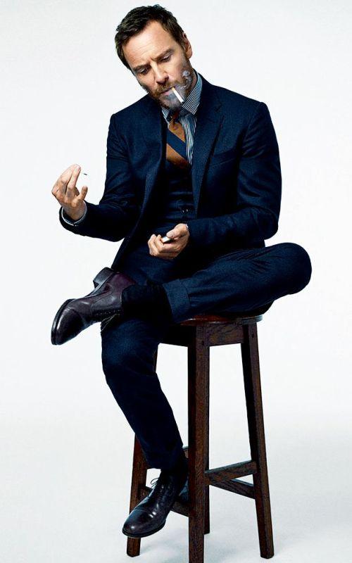 Stylé comme une star : À qui ressemblez-vous ? homme look tendance workwear chic artiste acteur michael fassbender