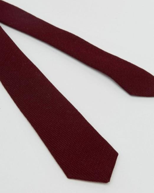 idée de tenue pour homme cravate en tissus