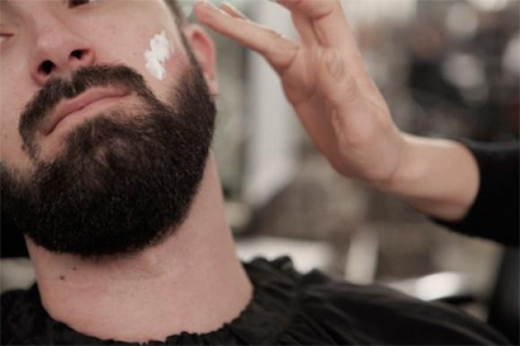 Traiter les poils de barbe incarnés