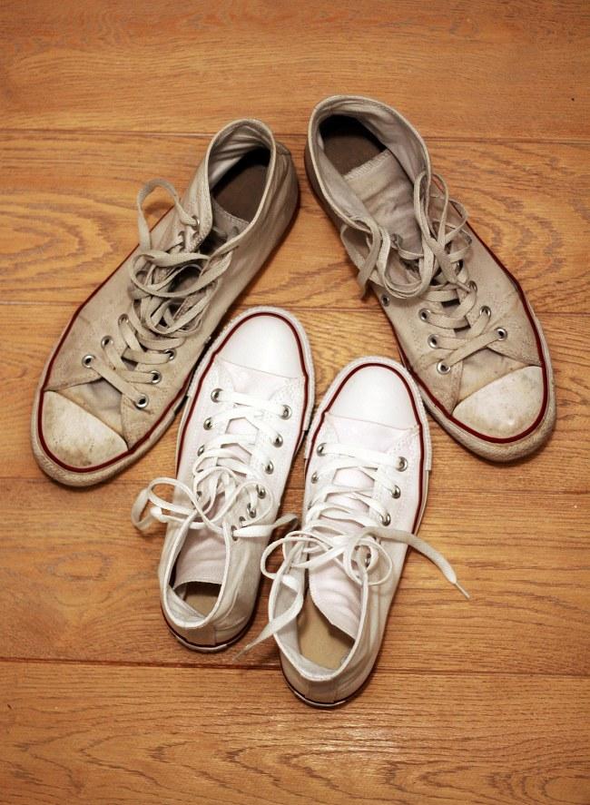 comment bien nettoyer ses baskets blanches en cuir et tissus