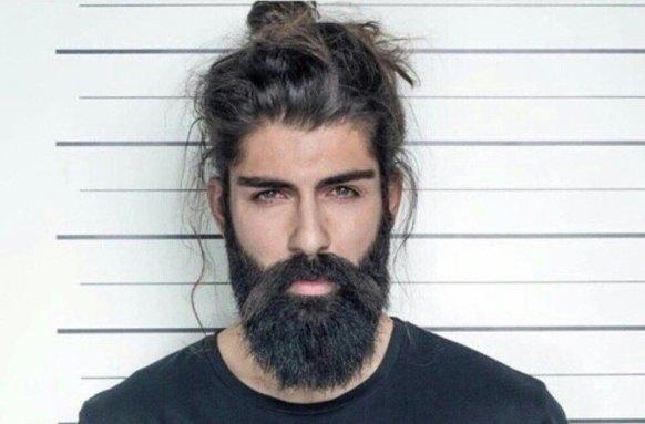 visage forme ovale style de barbe fournie