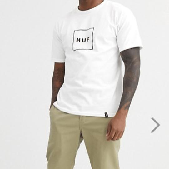 T-shirt blanc logo encadré