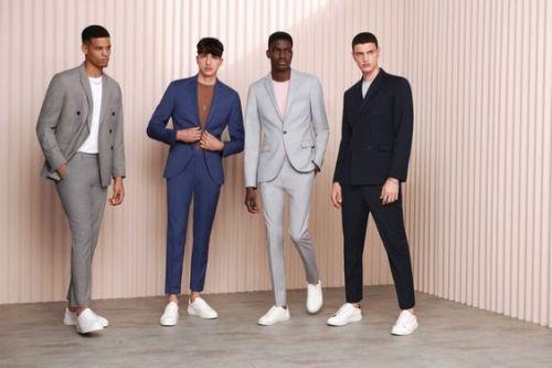 tenue formelle sneakers look homme choisir couleur