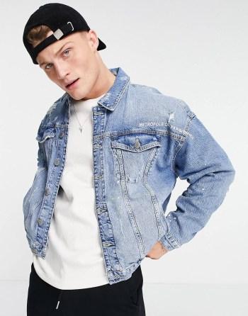 Idée de look 40 Veste en jean oversize