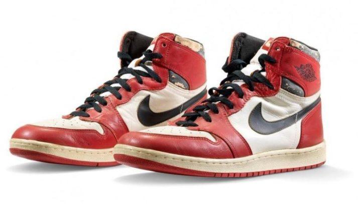 Top 10 sneakers les plus chères du monde Air Jordan 1 Chicago portées par Michael Jordan