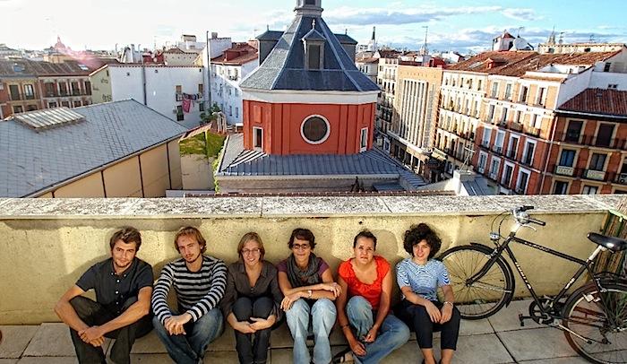 Varios_jovenes_sede_Sindicato_Arquitectos.jpg