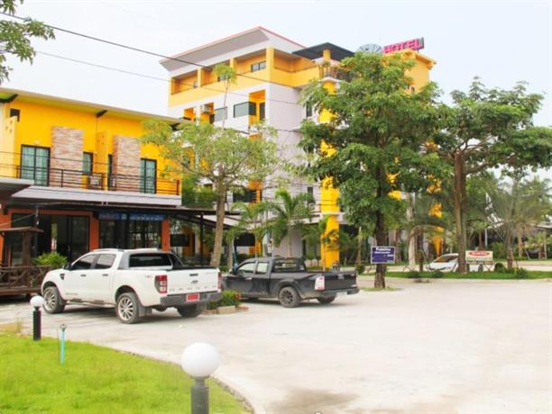 Paradise Resort Bang Lamung - Compare Deals