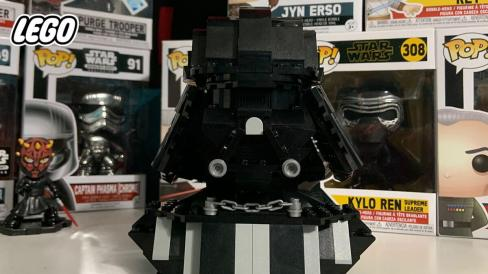 LEGO-build Darth Vader bust