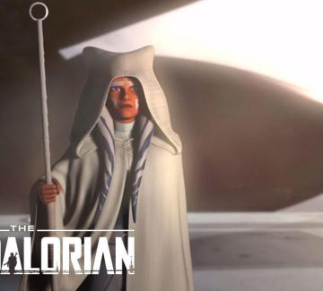 Ahsoka Tano standing in front of a ship