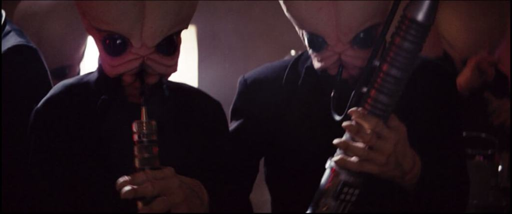"Figrin D'an and the Modal Nodes play their hit ""Mad About You"" in the Mos Eisley Cantina"