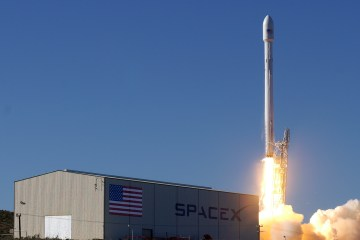 SpaceX Falcon 9 Rocket Launching