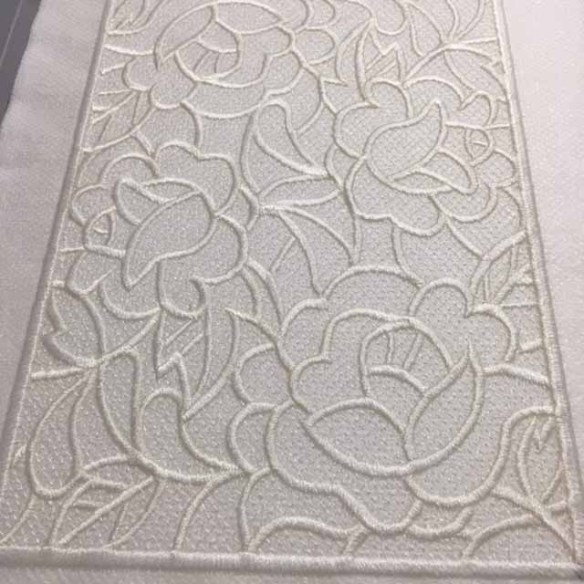 freestanding-lace-3