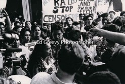 Haunani-Kay Trask at UH Philosophy Dept. protest demo (Joey Carter issue). 7019-1-30 11-2-90