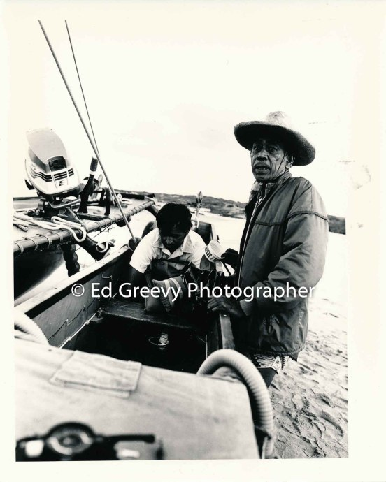 Uncle Harry Mitchell assisting a student prepare the Maui canoe for launch5013-21- 8-80_