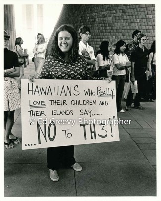 Anti H-3 protester at state cap. demonstration2858-5-34A 3-20-75