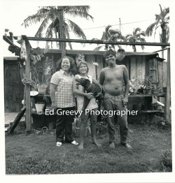 leslie-kolo-left-his-wife-and-daughter-at-home-in-niumalu-nawiliwili-kauai-2666-62-11-8-73