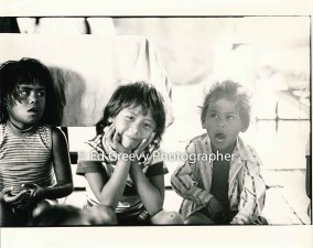 Mokauea Island children. 2914-8-32A 8-26-75
