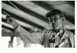 mr-obra-speaks-strongly-in-support-of-the-niumalu-nawiliwili-tenants-assn-at-kauai-rally-2929-1-22-11-29-75