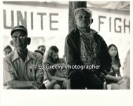 staunch-eviction-protesters-listen-to-speakers-at-niumalu-nawiliwili-tenants-assn-rally-2929-4-9-11-29-75