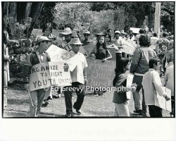 waiahole-waikane-resident-leslie-naki-center-protests-evictions-at-landlord-mrs-marks-house-in-nuuanu-2965-4-37-4-7-76