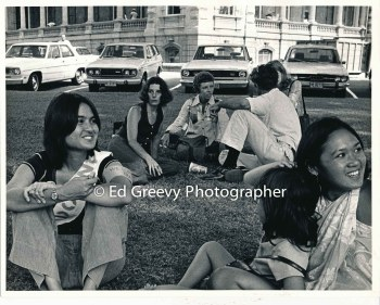 Avatar owner, Connie Wright, second from left, at alice Doesn't Live Here Anymore rally at 'Iolani Palace. C1974