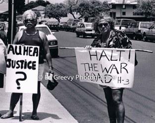 Kawaipuna Prejean, rt. protests H-3 freeway construction 7062-3-8 4-92
